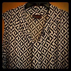 Dana Buchman black/white geometric blouse